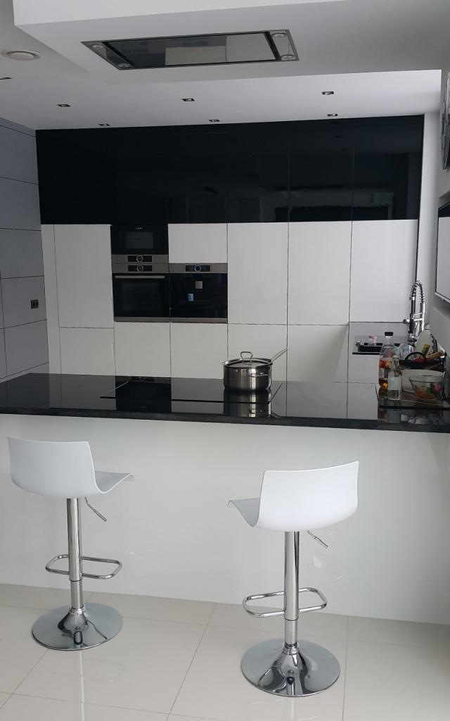 Kuchnia nowoczesna biała