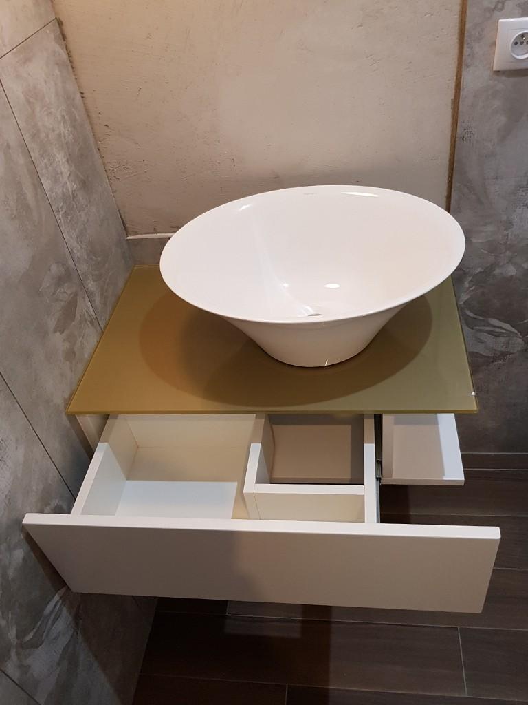 Nowoczesna szafka umywalkowa